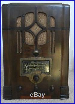 1936 Vintage RCA Victor Superheterodyne tube radio model 8T