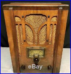 1937 RCA #5T tombstone art deco vintage vacuum tube radio