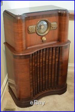 1939 Antique Vintage Art Deco Pre-WWII Zenith 8-S-463 AM/Shortwave Console Radio
