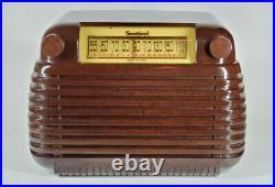 1946 Sentinel Model 284-W Vintage Bakelite Tube Radio Excellent Art Deco