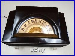 1950's Vintage Philco Tube Radio, Art Deco, Model 52-940. Works great