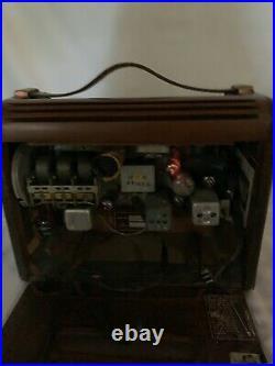 ANTIQUE 1946 OLD PHILCO 46-350 WOOD LEATHER VINTAGE RADIO WORKS d709
