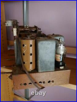 ANTIQUE, VINTAGE, DECO, COLLECTIBLE OLD TUBE RADIO ZENITH 6S361 chassis
