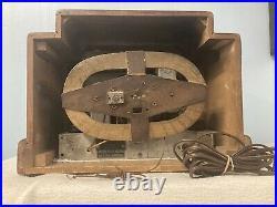 Addison R5A3 Courthouse Antique Vintage Tube Radio