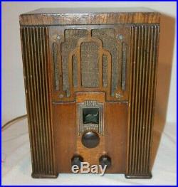 Antique Crosley 5v2 Tombstone Tube Vintage Radio