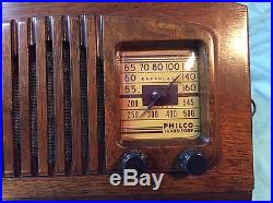 Beautiful And Hard To Find Philco Vintage Antique Wooden Tube Radio Must See
