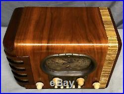 Beautiful, WORKING Zenith'RACETRACK' 1938 Tombstone vintage vacuum tube radio