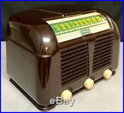 Beautiful, Working 1946 Sonora bakelite art deco vintage vacuum tube radio