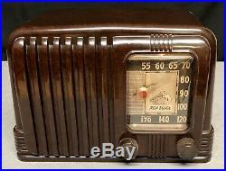 Beautiful, working RCA His Master's Voice Bakelite Vintage Vacuum Tube Radio