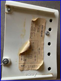 Collectible Vintage Traveler Turquiose Tube Radio 1959 Model T202