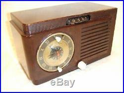 Completely Restored 1953 Vintage GE Model 514 Tube Working AM Clock Radio