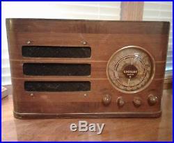 Crosley Super 8 Vintage AM/ SHORTWAVE Radio Model 817 Lights