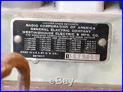 Detrola table top tube radio. Vintage 1930's. Untested