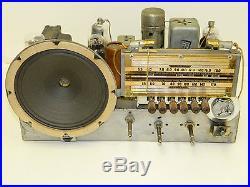 GORGEOUS VINTAGE PRE WAR 1939 MOTOROLA TABLE RADIO AM & SW RESTORED WORKS GREAT
