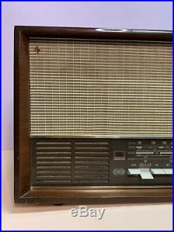 Grundig 4570 U / Stereo Vintage Tube Radio USED