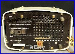 IVORY Westinghouse Plaskon MID CENTURY VINTAGE vacuum tube radio #501