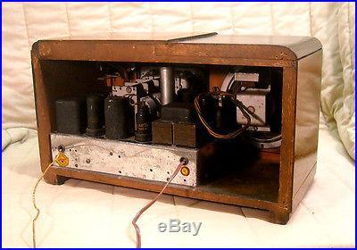 Old Antique Wood Airline Vintage Tube Radio Restored