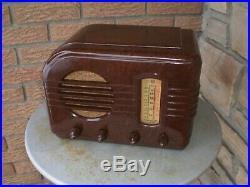 Old vintage antique bakelite vacuum tube radio 1938 GE General Electric F-51