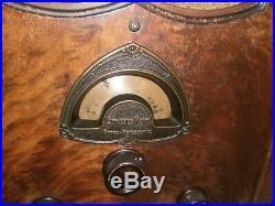 Old vintage antique deco retro AK Atwater-Kent tube radio cathedral model 84