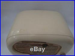 PETER PAN WHITE / CREAM BAKELITE ART DECO VALVE SNAIL RADIO 1950s VINTAGE