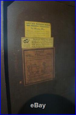 Philco 41-280 Walnut Art Deco Console Tube Radio Vintage 40