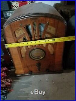 Philco Tube Radio Tomestone design Large Vintage wood Radio