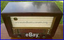 Philips European Vintage Collectable Short Wave Radio 1951-52 Clean & Works Nice