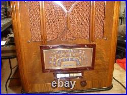 RARE Vintage MID-CENTURY TRUETONE D-1003 TABLETOP TUBE RADIO PITTSBURGH