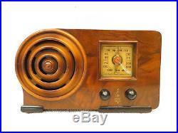 Vintage 1939 Near Mint Emerson Art Deco Old MID Century Ingraham Bullseye Radio