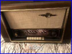 VINTAGE 1950s NORDMENDE CARMEN MULTI-BAND SHORTWAVE WOOD TUBE RADIO GERMANY