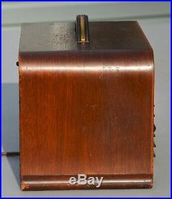 VTG (1939) Philco 40-120 AM Broadcast Tube Radio Receiver
