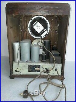 Vintage 1930s Fairbanks Morse tombstone radio. Model 66 Antique & does play