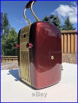Vintage 1945 Westinghouse ART DECO RETRO RED METAL SPECK RADIO H-126