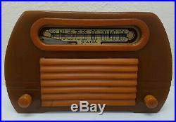 Vintage 1946 Fada #652 Temple Catalin Art-Deco Tube Radio Butterscotch NICE