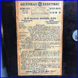 Vintage 1947 General Electric GE Tube Radio Table Model 220 AM & Shortwave