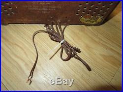 Vintage 1950 Zenith AM/FM Tube Radio Model G724 Bakelite Case