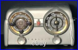 Vintage 1950's Crosley AM Radio Model D 25 CE Tube clock/radio, Green (Working)