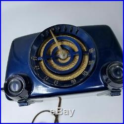 Vintage 1951 Crosley Model 11-101U Bullseye Dynamic Blue Radio Bakelite Rare