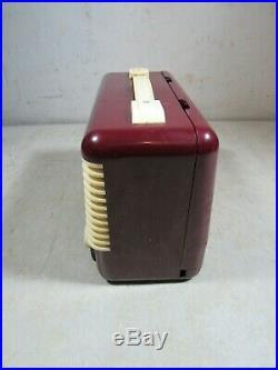 Vintage/Antique 1954 Regal Model 1877 Portable Tube Radio Red & Ivory