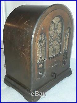 Vintage Atwater Kent super-heterodyne antique tube radio Model 165 cathedral