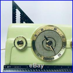 Vintage Crosley Model 10-137 Bakelite Table Tube Radio Good condition turns on
