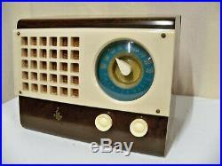 Vintage Emerson Catalin Radio Model 520