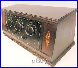 Vintage KISMIT 5 tube BATTERY MODEL RADIO. Untested with NO TUBES nice box
