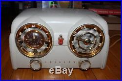 Vintage RARE 1950s Crosley Tube Radio #D-25 Art Deco Dashboard Clock Radio