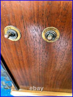 Vintage US Apex model 8A cathedral tube radio/untested & needing power cord
