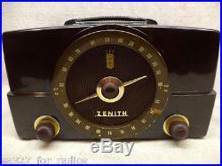 Vintage Zenith Bakelite AM/FM Tube Radio Model H725-RESTORED