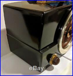 Vintage Zenith Tube Radio Model H725 Bakelite 1950's Working condition