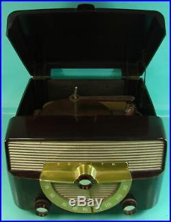 Vtg Bakelite Zenith Cobra-Matic 4-Speed Tube Type Radio Record Player Model K666