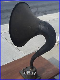 Vtg magnavox radio horn