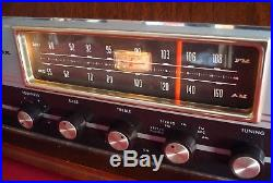 WORKING Vintage Magnavox Model-OFM026 Stereo FM / AM Tube Radio with Solid Walnut
